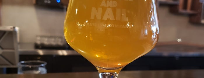Tooth and Nail Brewing Company is one of Stef'in Beğendiği Mekanlar.
