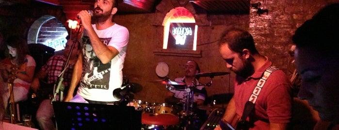 Atlas Bar is one of Locais salvos de ....