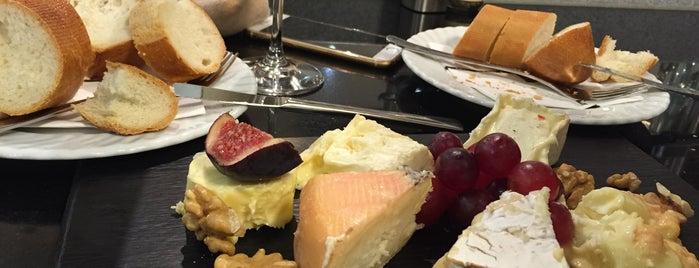 KaDeWe Gourmet Fromage Francaise is one of Cody'un Kaydettiği Mekanlar.