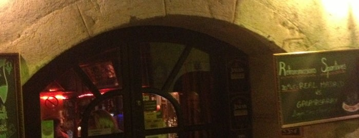 Captain Pub is one of Lugares favoritos de Bariscan.