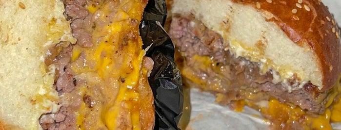 Cleaver Burger is one of Restaurants | Riyadh 🍽💙.