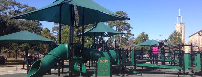 Memorial Park Playground is one of Locais curtidos por Dy.