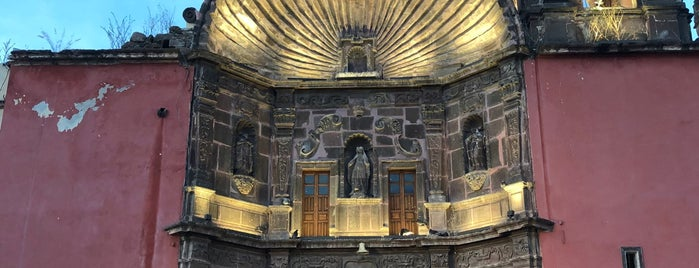 Iglesia De Nuestra Señora De La Salud is one of สถานที่ที่ Rosco ถูกใจ.