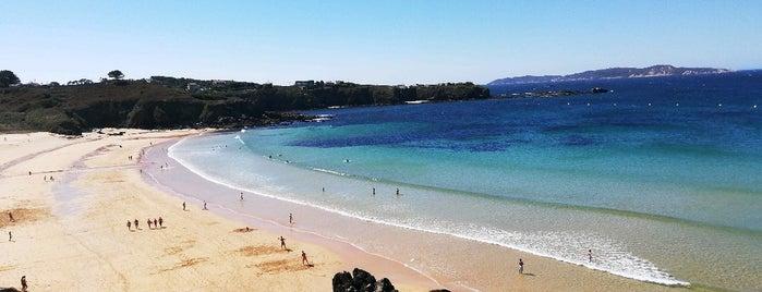 Praia de Foxos is one of To do's Sanxenxo.