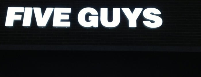 Five Guys is one of Steven'in Beğendiği Mekanlar.