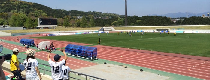 Ashitaka Park Stadium is one of Lieux qui ont plu à まるめん@下級底辺SOCIO.