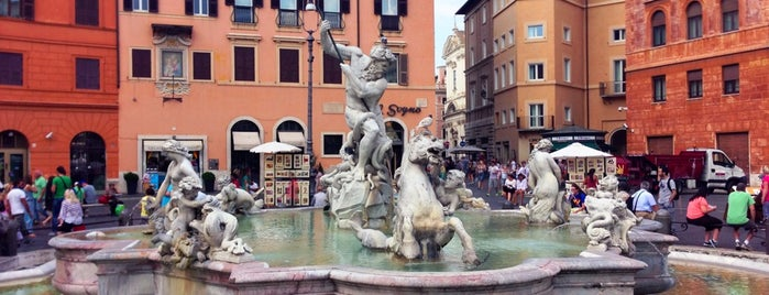 Fontana del Nettuno is one of When in Rome....