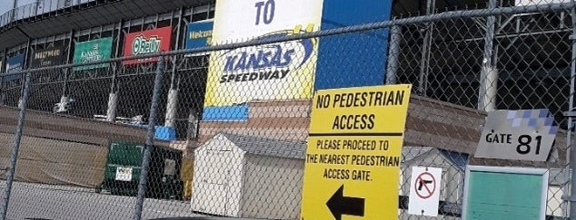Kansas Speedway is one of Timさんのお気に入りスポット.