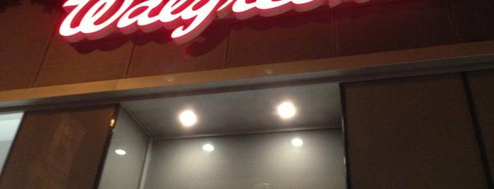 Walgreens is one of Locais curtidos por Jason.