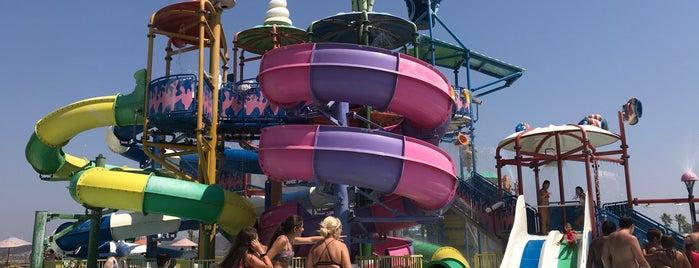 Oasis Aquapark is one of Lugares favoritos de Yücel.