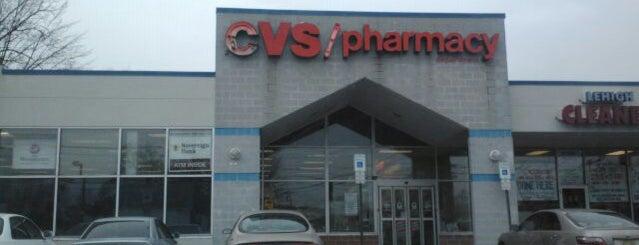CVS pharmacy is one of สถานที่ที่ Theresa ถูกใจ.