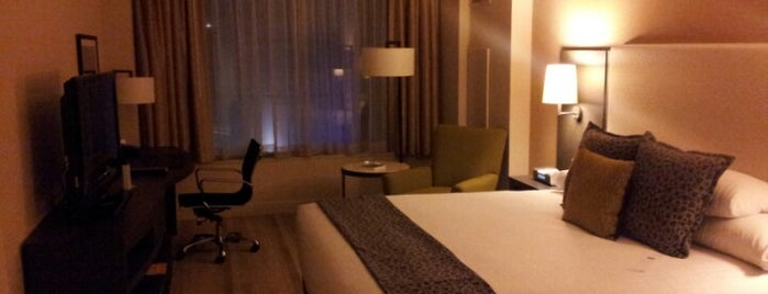 Hyatt At Olive 8 is one of Posti che sono piaciuti a Andrew.