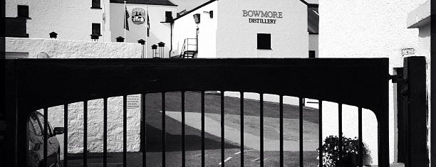 Bowmore Distillery is one of Single Malt Deistilleries.