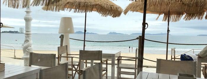 Marina Cies Beach Club is one of Lugares favoritos de Jake.
