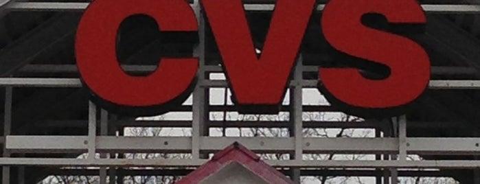 CVS pharmacy is one of Lieux qui ont plu à Tania.