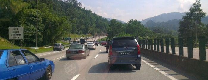 Lemang Karak Highway is one of Dinos 님이 좋아한 장소.