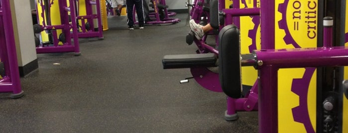 Planet Fitness is one of Posti che sono piaciuti a Yvonne.
