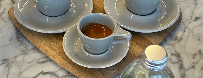 Alchemy Coffee is one of Tempat yang Disimpan Omar.
