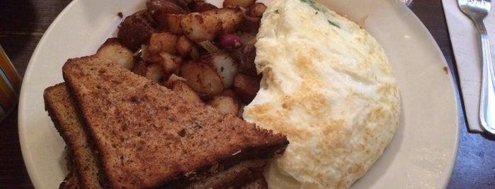 Sabrina's Cafe is one of Lugares favoritos de Alex.