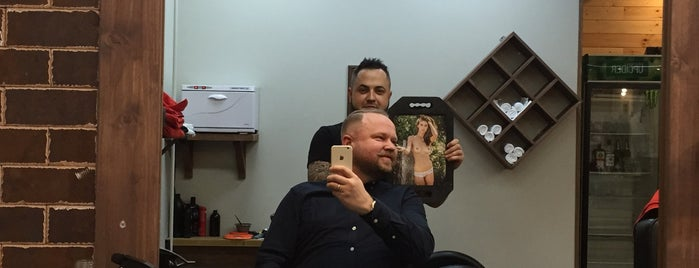 FIRMA BarberShop is one of Locais curtidos por Alina.