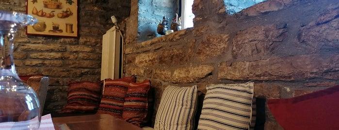 Το σπιτι του Ορεστη is one of ξενώνες.