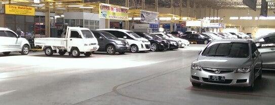 Bursa Mobil Gading is one of Lugares favoritos de Safira.