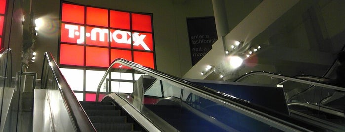 T.J. Maxx is one of Lieux sauvegardés par Ana.