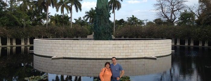 Miami Tower is one of Lugares favoritos de Cesar.