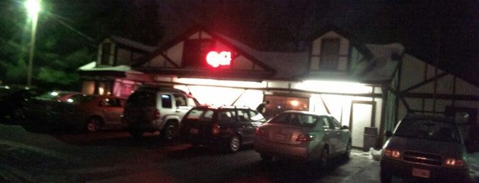 Queen's Gambit Restaurant is one of Tempat yang Disukai LinZ.