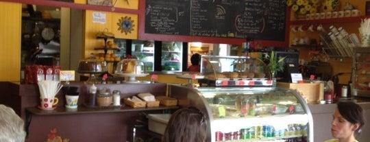 Bom Cafe is one of Locais salvos de Enrico.
