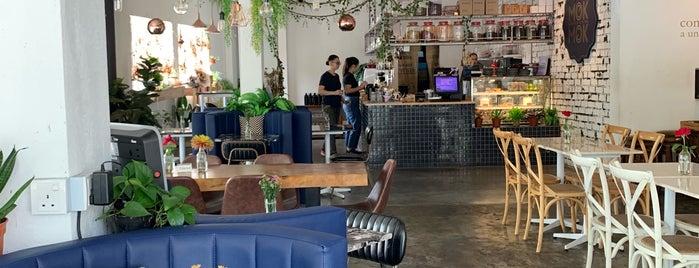 Mok Mok Brunch & Bistro is one of สถานที่ที่บันทึกไว้ของ C.