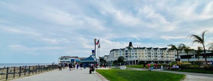 Long Branch Beach is one of สถานที่ที่ Anya ถูกใจ.