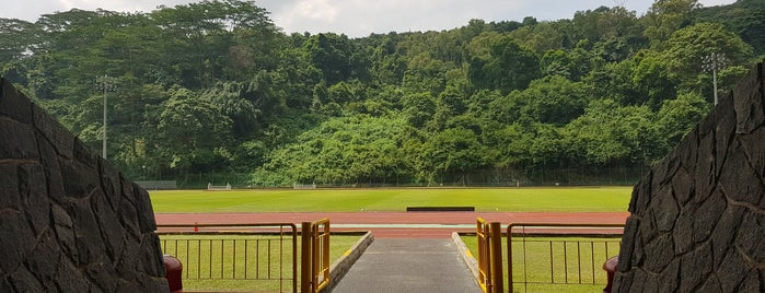 Bukit Gombak Stadium is one of Tempat yang Disukai Chuck.