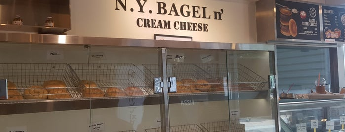 N.Y. Bagel n' Cream Cheese is one of 송도에서 자주 가는곳.