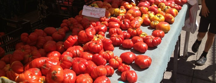 Carroll Gardens Greenmarket is one of NYC Health: NYC Farmers' Markets.