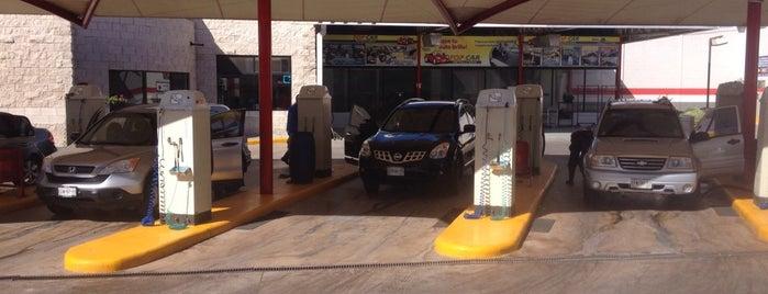 Gasolinera La Cima is one of Jorge Luisさんのお気に入りスポット.