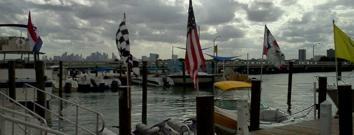 Pelican Harbor Marina is one of Best beaches to get married on.