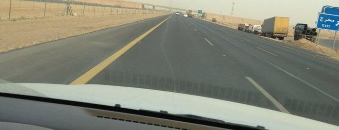 Riyadh - Qassim Highway is one of Lugares guardados de Dobzi.