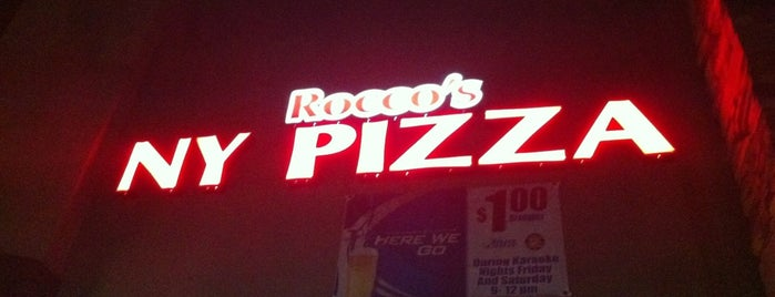 Rocco's NY Pizza is one of Locais curtidos por Toni.