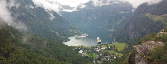 Geirangerfjorden is one of Far Far Away.