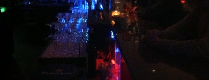 Kreuz Bar is one of Günther 님이 좋아한 장소.