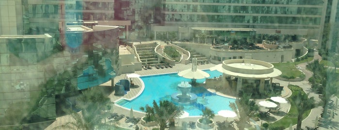 Millennium Airport Hotel Dubai is one of Lieux qui ont plu à Fernando.