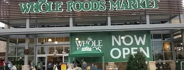 Whole Foods Market is one of Sarahさんの保存済みスポット.