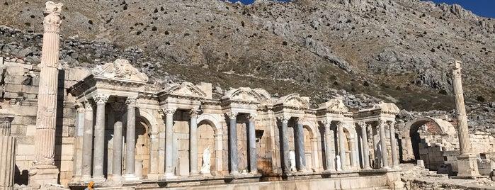 Sagalassos Antoninler Çeşmesi is one of Antik kentler.