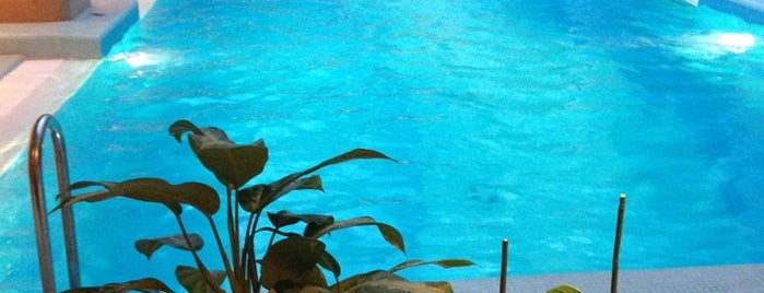 Открытый бассейн is one of Resorts))).