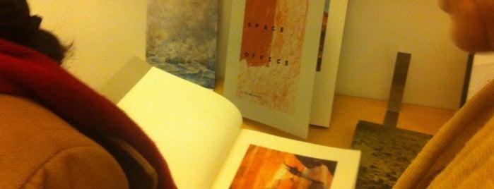 Inc. livros e edições de autor is one of Posti salvati di Pedro.