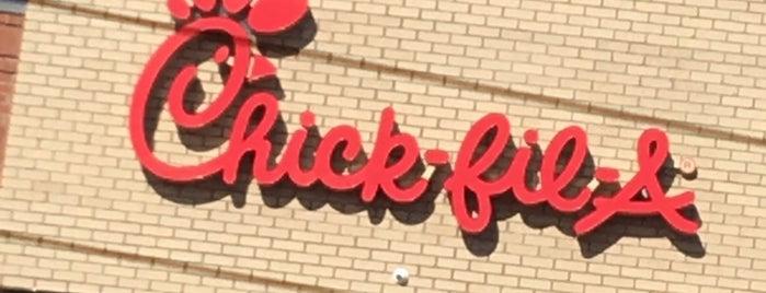 Chick-fil-A is one of Tempat yang Disukai Ross.