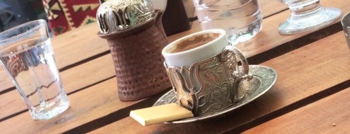 Kuyulu Cafe& Hookah is one of Volkan'ın Beğendiği Mekanlar.
