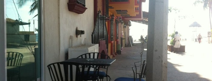 Caffé del Mar Vallarta is one of Lugares favoritos de Julius.