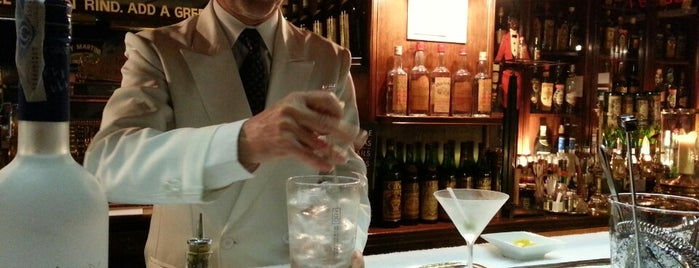 Dry Martini is one of Барселона Наслуху.Эс.